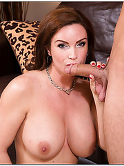 Lovely slut Diamond Foxxx prefers working with big cocks and eating cum