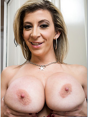 Sparkling bombshell Sara Jay demonstrates her skills and fingers hard
