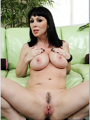 Petite wife RayVeness adores posing and showing her fuckable butt