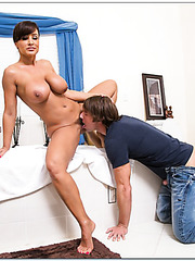 Stunning harlot Lisa Ann enjoying a delicious wiener and getting all wet