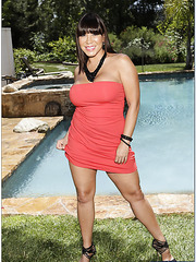 Wonderful whore Ava Devine posing outside and showing delicious tits