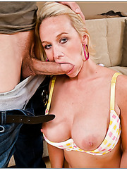 Carnal whore Dee Siren tasting a delicious wiener and getting pleased