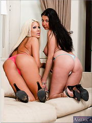 Sympathetic pornstar Michelle McLaren spending time with her booty friend