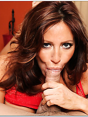 Giggly mature Tara Holiday prefers banging with young boys and sucking rods