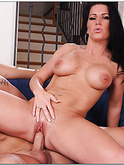 Skillful mature Kendra Secrets taking part in an unbelievable threesome
