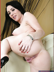 Gentle brunette RayVeness shows her trimmed pussy and and big sexy boobs