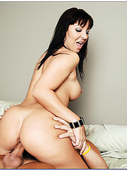Experienced brunette milf Maria Bellucci fucked vaginally and orally