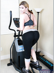 Fair-skinned and buxom Sara Jay wants to get a hot relaxation after gym training