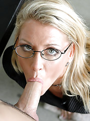 Sexy teacher Chelsea Zinn got a sweet facial after hot shaved pussy fuck