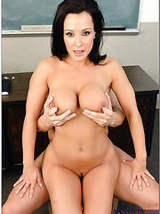 Mrs. Lisa Ann demonstrates tattooed bad boy that his girlfriend is a dull slut