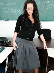 Hardcore curly haired teacher-vamp Anjelica Lauren facialized in sexy lingerie