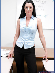 Mrs. India Summer every day gets a perfect satisfaction at the work