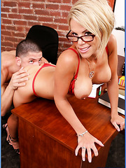 Super sweet short-haired blonde Mrs. Kayla Synz has sweet time with her lover