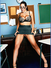 Arresting Carmella Bing doesn't want to make her lessons dull