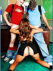 Fragile and busty teacher Mrs. Joslyn James in the wild threesome with her students