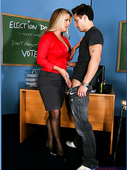 Appetizing blonde teacher Joclyn Stone wants to check his homework