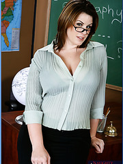 Sexy teacher with huge ass and big tits Lisa Sparxxx likes student's big cock