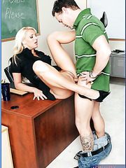 Bewitching blonde teaches Ms. Emilianna gets fresh cum on her gentle tongue