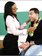 Curvy Ebony teacher Sinnamon Love amazes hot student with her forms