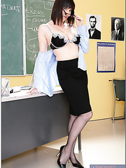 Awesome fuck with pale-skinned buxom teacher Tina Tyler and her student