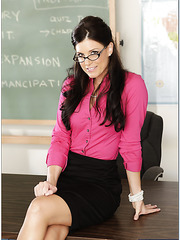 Hot teacher with massuve ass and small natural tits India Summer got young cock