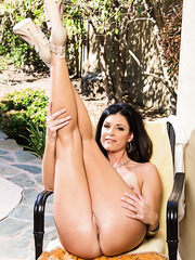 Slender bodies brunette milf India Summer fucked in the gonzo action