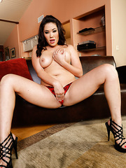 Sexy Asian honey London Keyes takes off her lingerie to amaze us
