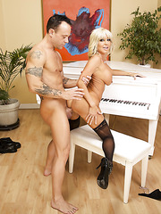 Kurt licks Tara Holiday's gentle pussy and penetrates her tight hole
