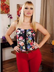 Horny blonde chick Ashley Fires undresses to make great pics