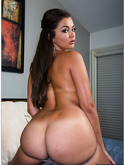 Allie Haze shows her great ass and masturbates with naughty fingers