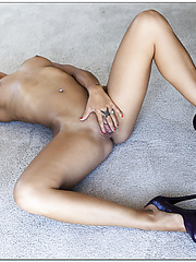 Hot and talented milf Olivia Wilder shows her horny secrets