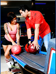 Tattooed and super horny short-haired Regan Reese penetrated on the bowling lane