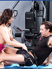 Hardcore anal adventure in the gym with horny and buxom milf Holly West