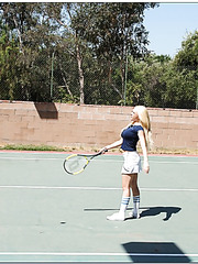 Attractive and unforgettable blonde Kagney Linn Karter fucks at the tennis court