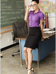 Fantastic sexy teachers Jessica Jaymes and Tiffany Brookes got one hot dick