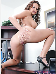 Wavy-haired mixed blood bombshell Jade Russell pounded in the office