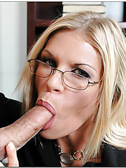 Hardcore blonde woman Kelli Brooks decided to find some voluptuous orgasms