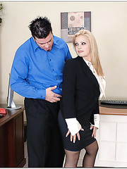 Appetizing all-natural milf Starla Sterling facialized sweet in the office
