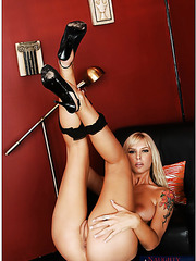 Extremely provocative blonde Brooke Banner looks awesome in any position