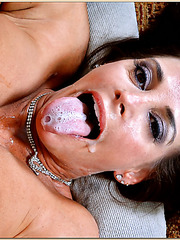 Mesmerizing slut Cheyenne Hunter showing good bending skill when fucked