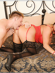 Elegant housewife Stacie Starr getting drilled hard in stockings