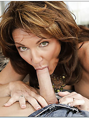 Staggering milf Deauxma loves when her trimmed pussy is fucked hard