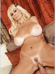 Rebellious milf Brittany O'Neil loves working with big cocks and balls