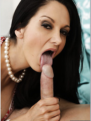 Appealing wife Ava Addams making a deepthroat and getting nailed