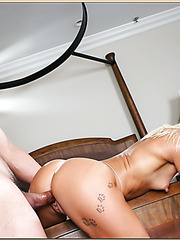 Gifted flapper Caresse enjoys her friend's delicious pecker and gets fucked