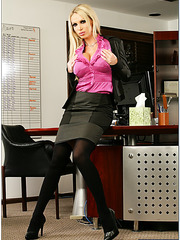 Elegant blonde Nikki Benz shows a crazy ad hardcore action