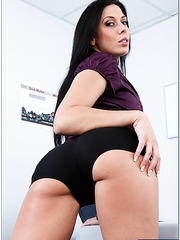 Passionate and hot brunette milf Rachel Starr shows her amazing body