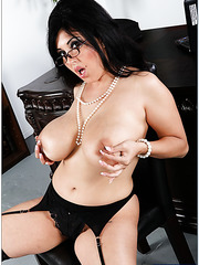 Jaylene Rio pshows her big boobs and plays with sweet nipples