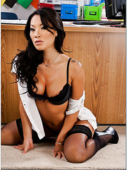 Horny Asian brunette Asa Akira tastes a dick and gets a sperm on the tongue