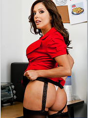 Francesca Le demonstrates her hairy pussy for an awesome and hardcore fuck